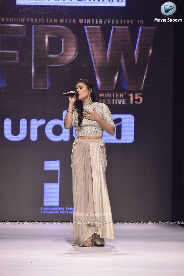 zoe viccaji- Deepak Perwani FPW 15 (22)