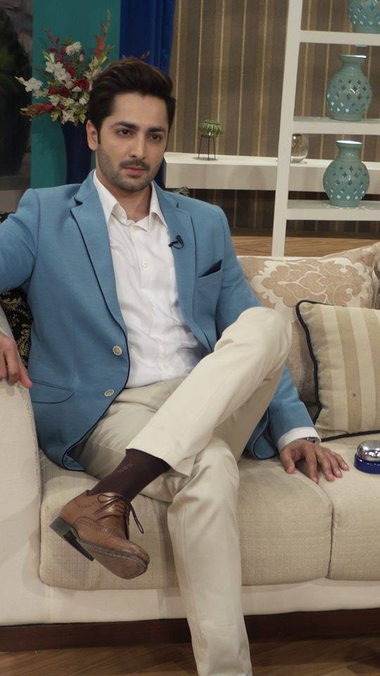 Exclusive BTS shots from Nadia Khan Show (1)
