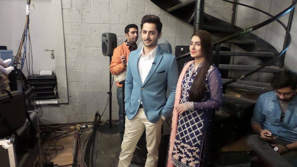 Exclusive BTS shots from Nadia Khan Show (2)