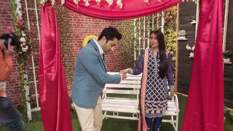 Exclusive BTS shots from Nadia Khan Show (3)
