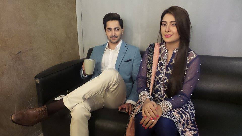 Exclusive BTS shots from Nadia Khan Show (4)