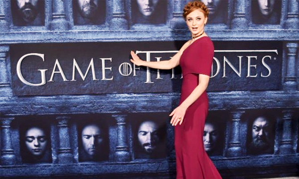 Game-of-thrones-Premiere-Sansa-Stark