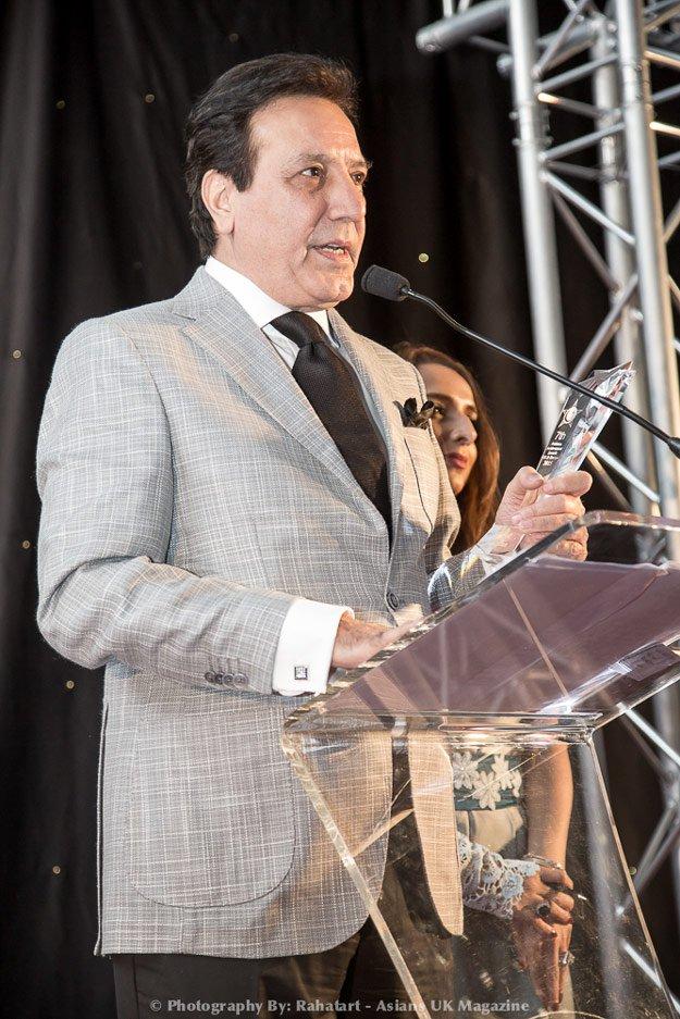 Javed Sheikh receiving Award