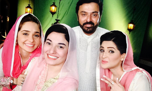 Juggan-Kazim-&-Muniba-Mazari-for-Ramazan-show-PTV-Home