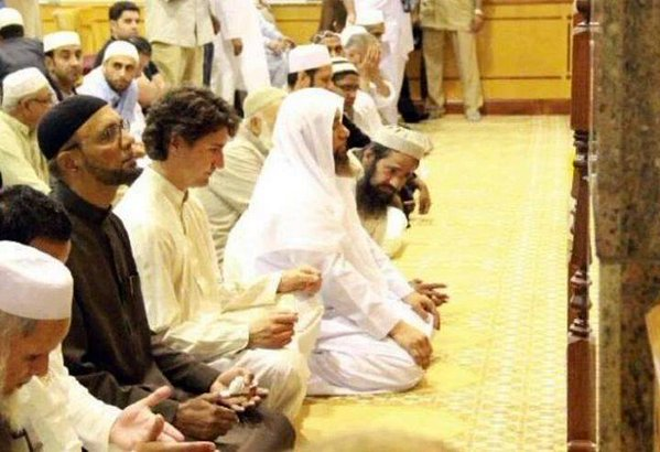 Justin Trudeau in a Canadian Mosque