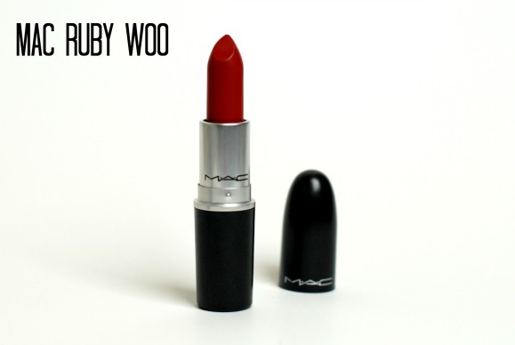 mac-ruby-woo-review-and-swatch-579x388