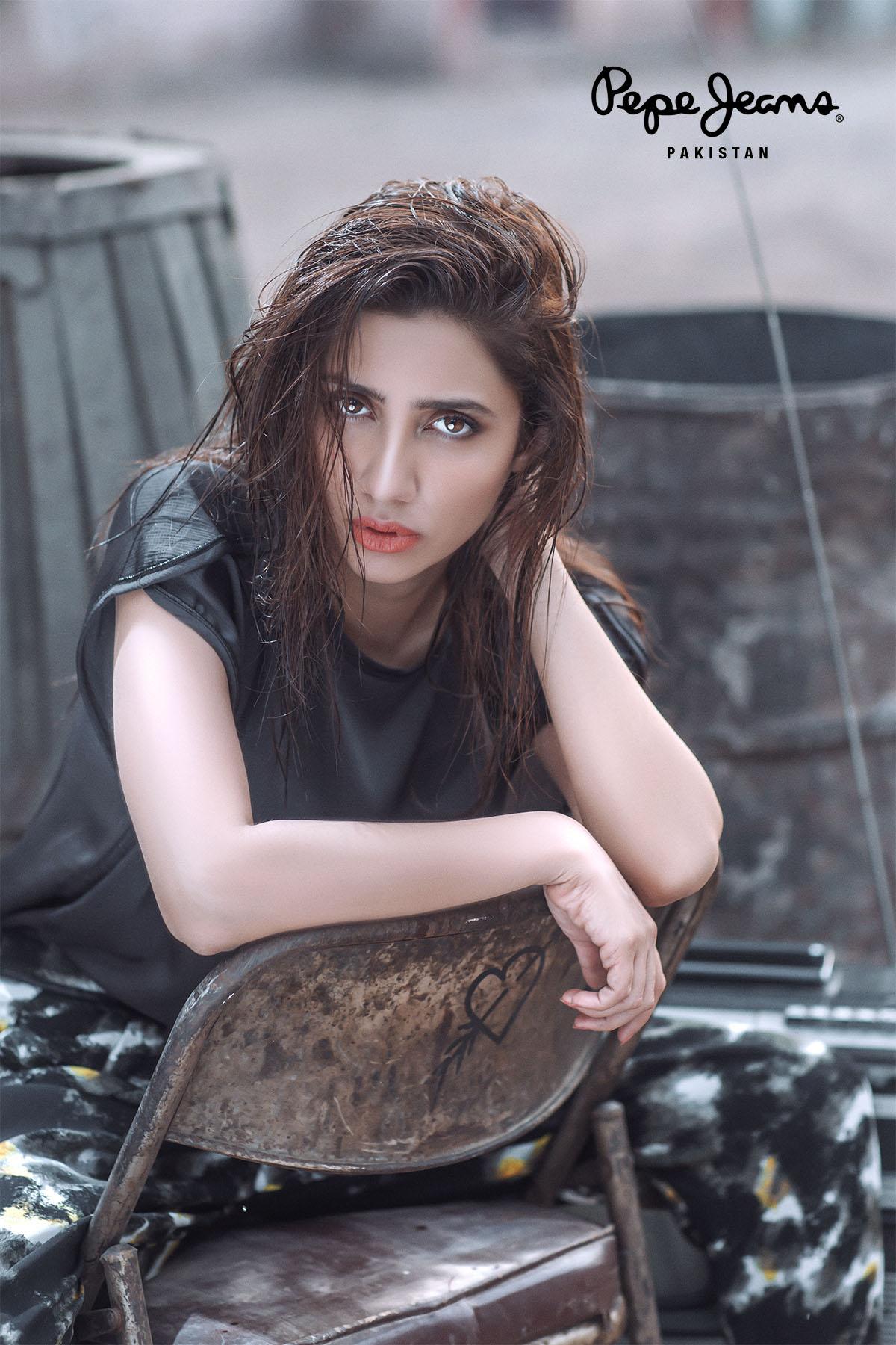 Mahira Khan Nude Photos 18