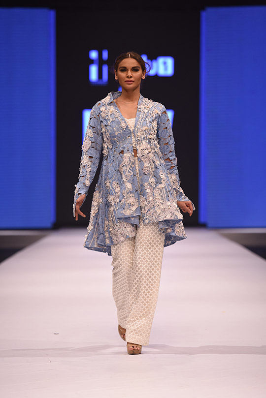 Nida-Azwer-Summer-Dresses-Collection-at-FPW-2016-17-2