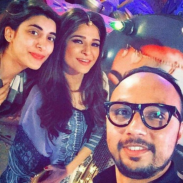 Nomi Ansari on the sets of TWO+TWO with wyesha and urwah