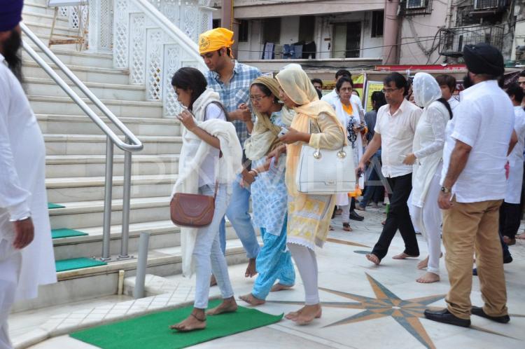 Pratyusha Banerjee prayer meet