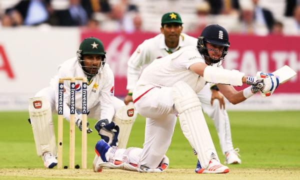 Pak-vs-england-2016-test-match-lead