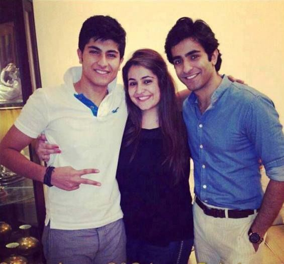 Pakistani actor shehryar munawar with family