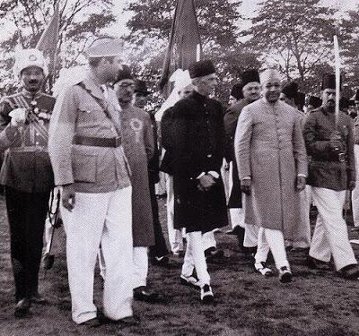Quaid-e-Azam arriving for the adoption of the Pakistan Resolution - 1940