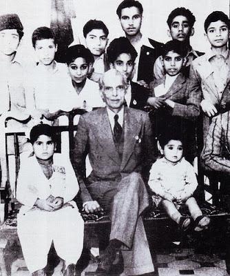 Quaid with children
