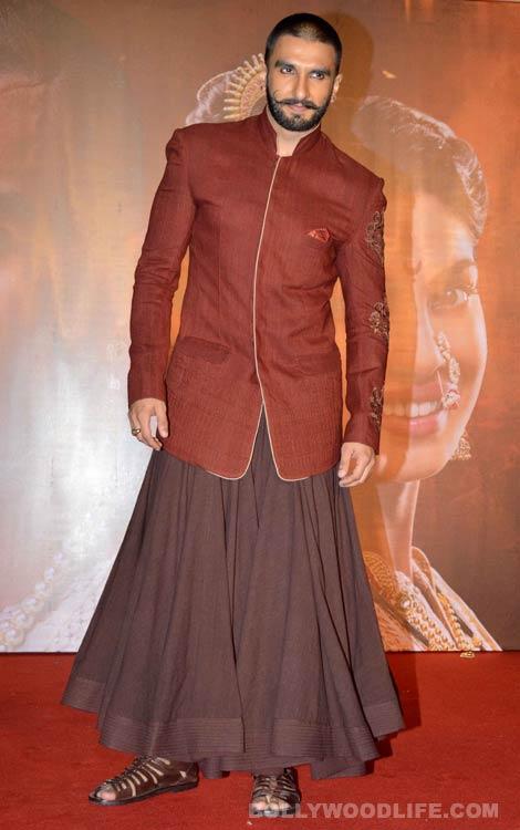 Ranveer Singh's Skirt Avatar At The Promotions Of Bajirao Mastani!