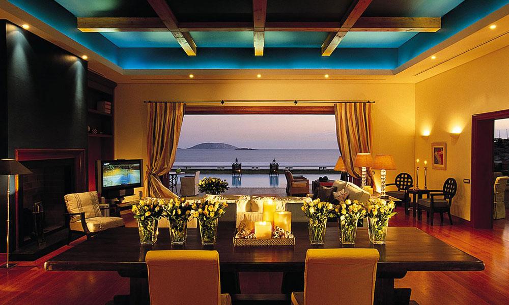 Royal-Villa-at-the-Grand-Resort-Lagonissi-in-Athens,-Greece
