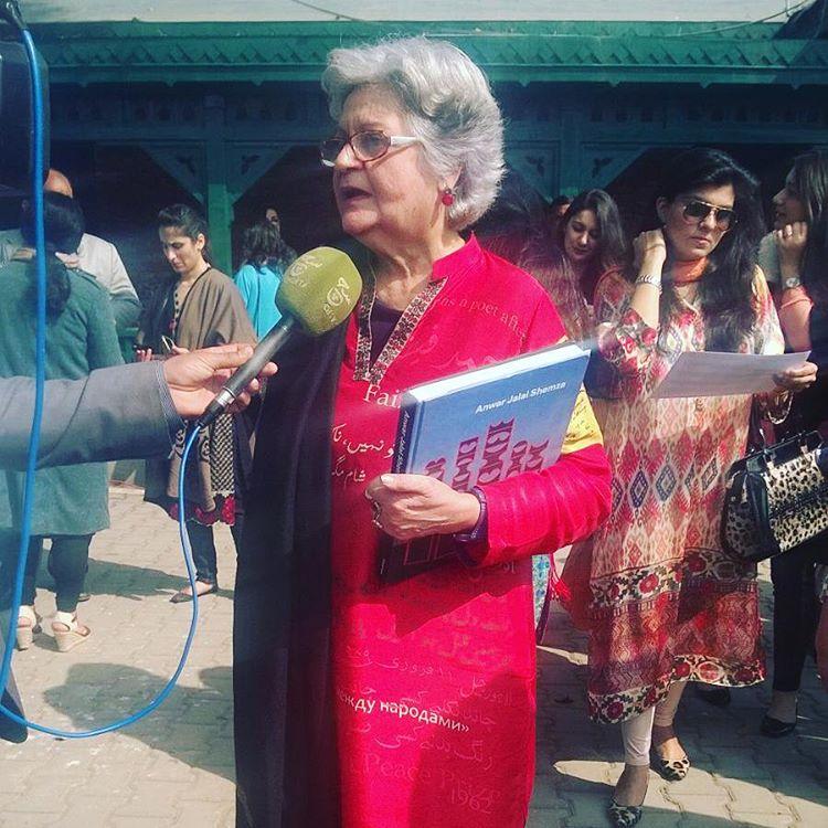 Salima Hashmi at LLF 2016