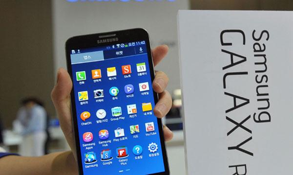Samsung leads flat global smartphone market