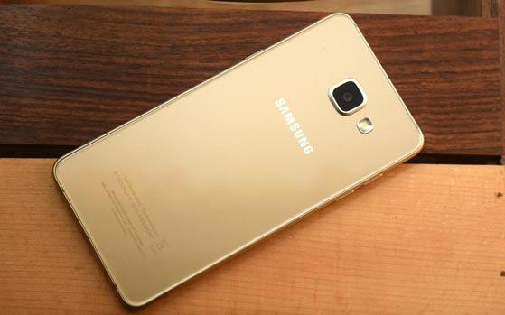 Samsung C7
