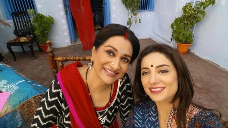 Sarwat Gillani and Bushra Ansari in new drama Seeta Bangari