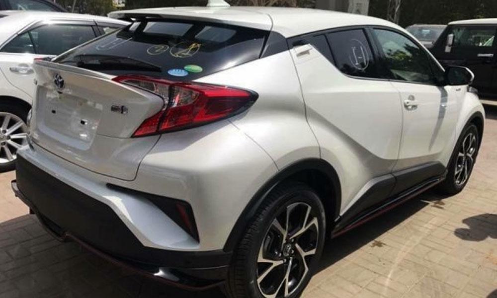 Toyota-C-HR-Rear