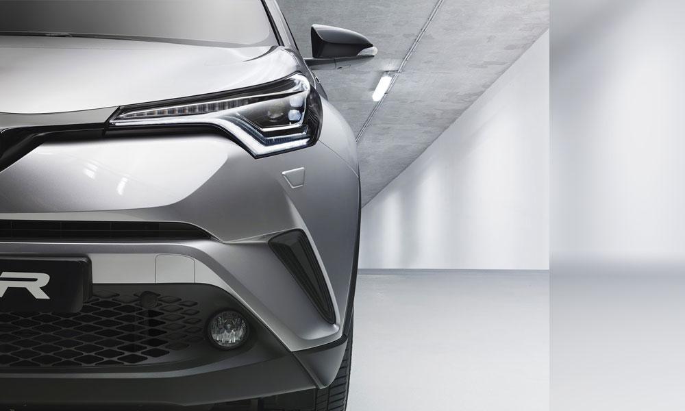 Toyota-CH-R-Headlights