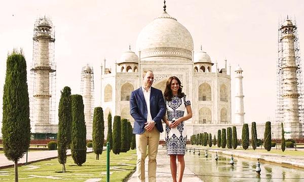 William-and-Kate-at-Taj-Mahal-5