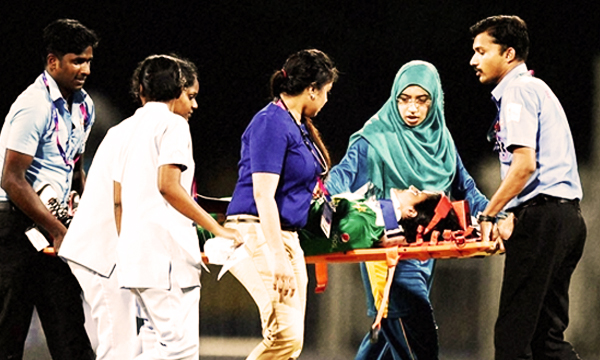 Women-cricket-player-javeriah injured