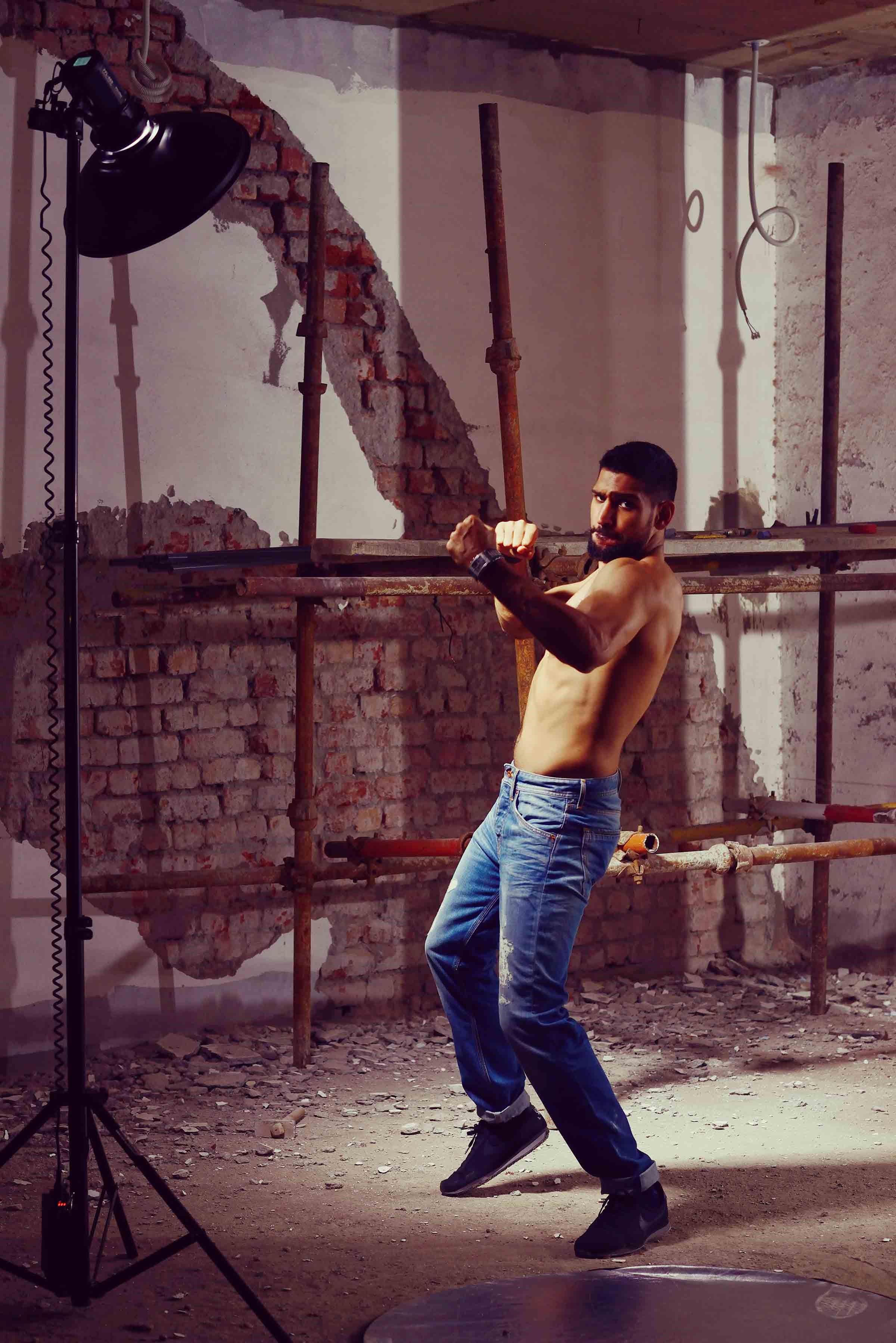 amir khan in jeans