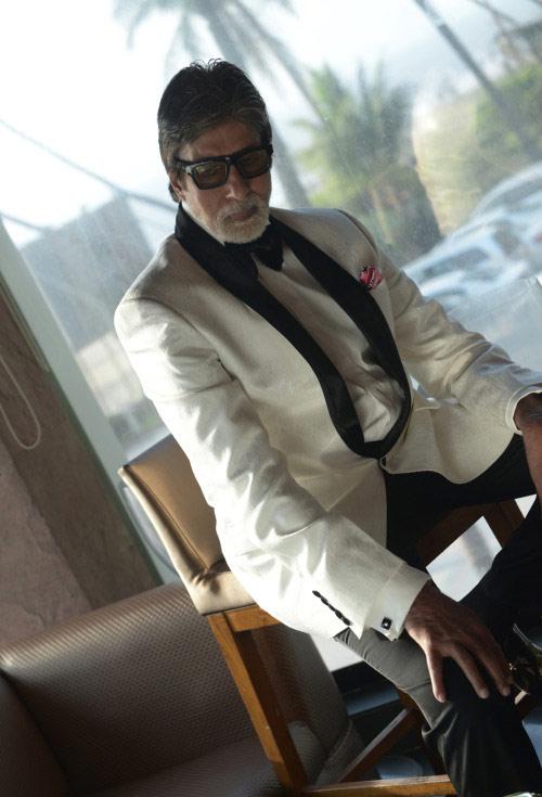 amitabh-bachchan-to-pose-as-james-bond-on-magazine-cover1-1459158894