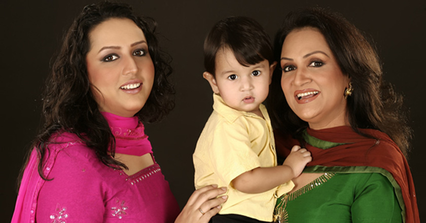 9 pakistani moms that are great role models brandsynario
