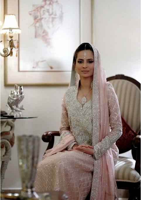 Bunto Kazmi Bridal Dress