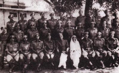jinnah with army men