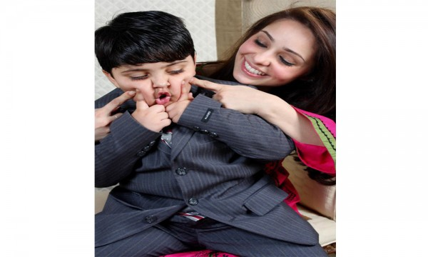 juggan Kazim with Kids