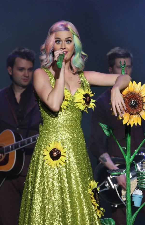 katy-perry-sun-flower