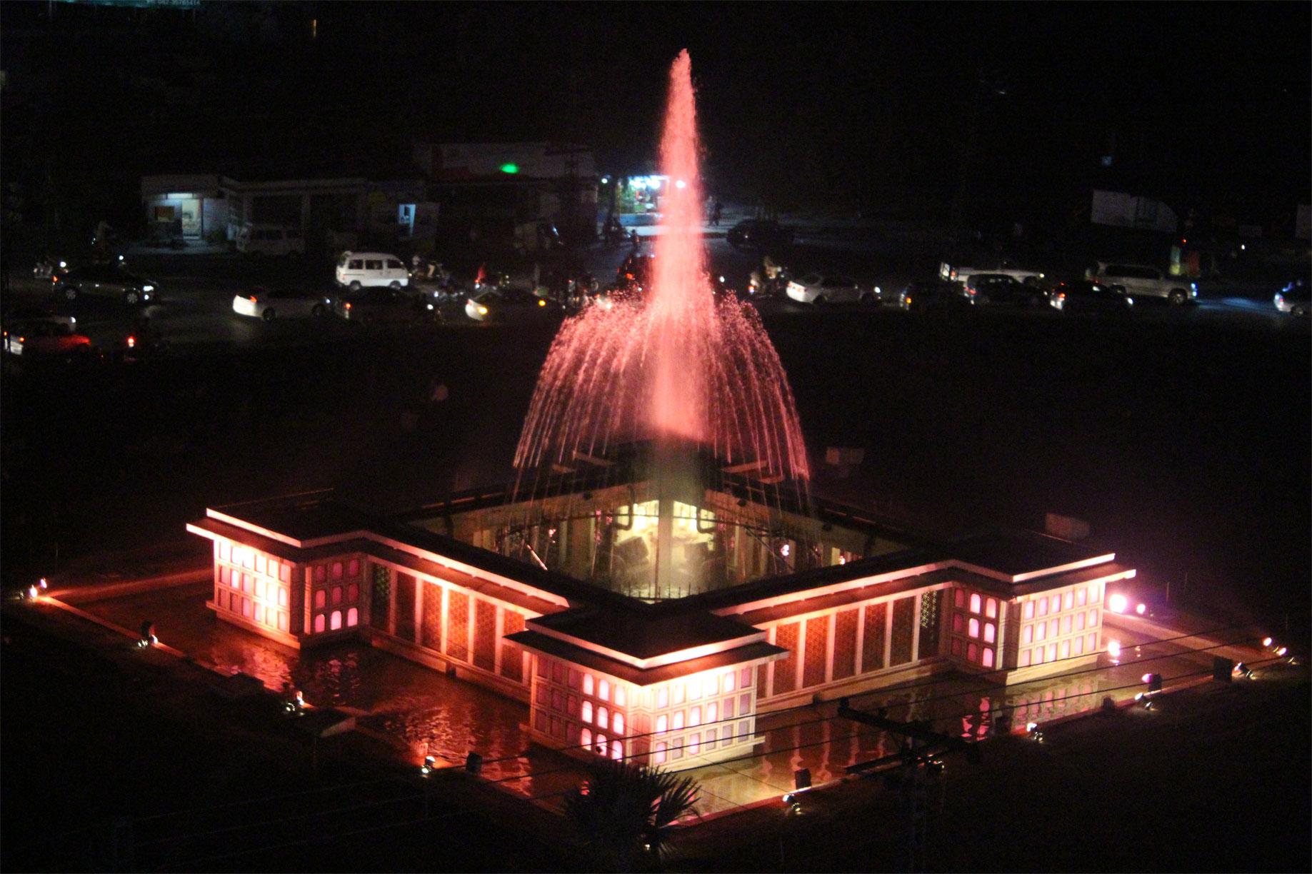 liberty-roundabout-pink