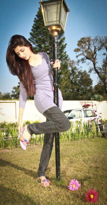 Pakistani Actress Mawra Hocane A Bubbly Girl In Bollywood