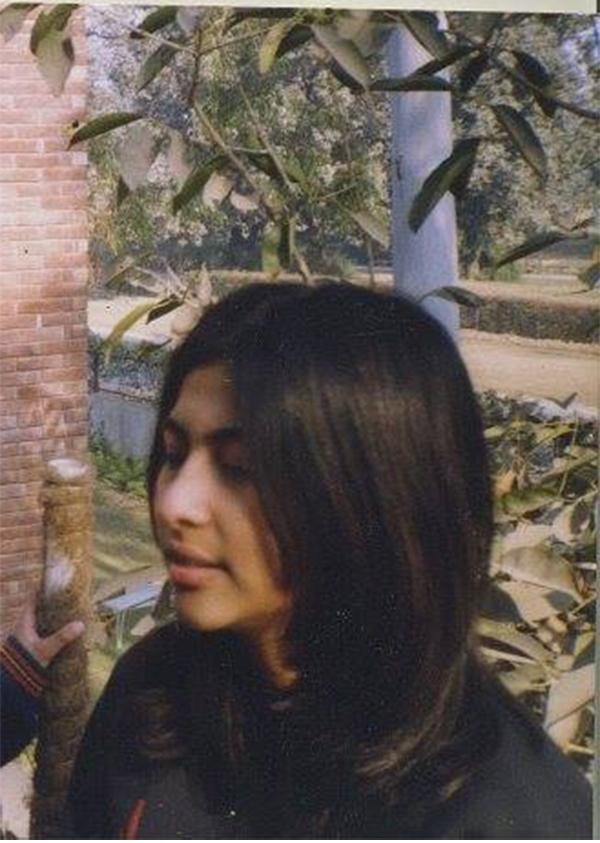 meesha-shafi-childhood-picture
