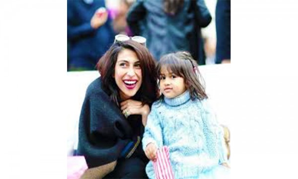 meesha shafi with daughter