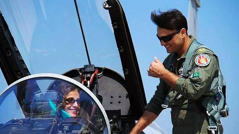 Pakistani Tom Cruise Lookalike Found In Paf Brandsynario