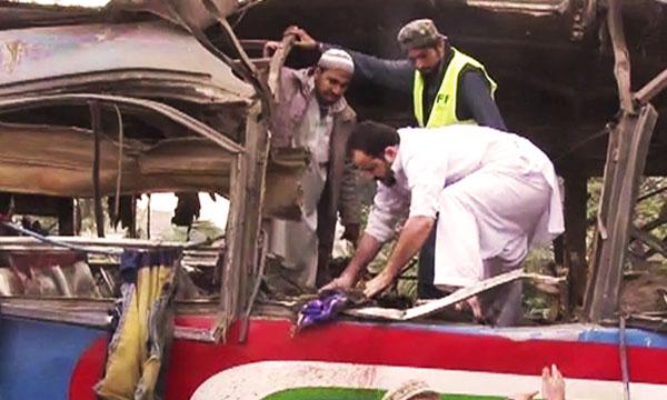 peshawar-bus-blast