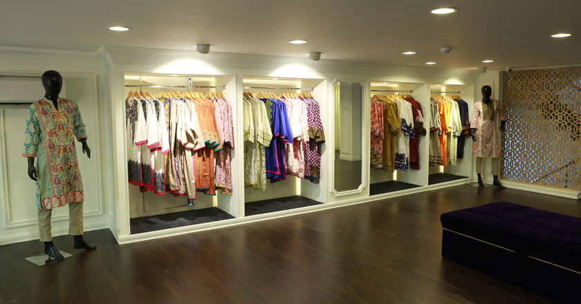 f2e5c2e8bb A state of the art furniture showroom opened its doors to Sana Safinaz's  discerning clientele in 2000 in Karachi.