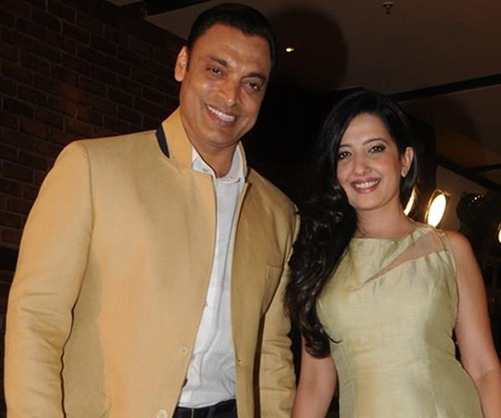 shoaib-akhtar-and-wife-rubab-khan