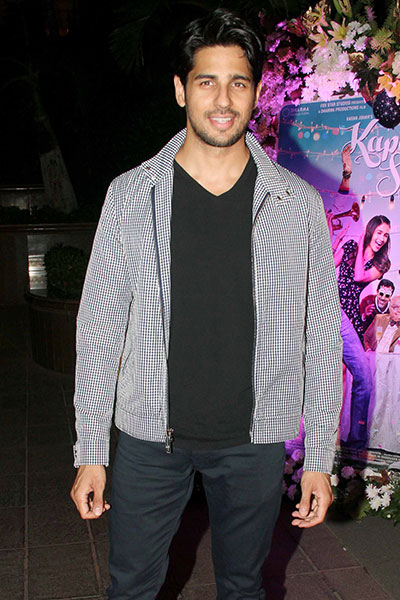 sidharth-malhotra-during-success-party-of-kapoor-sons