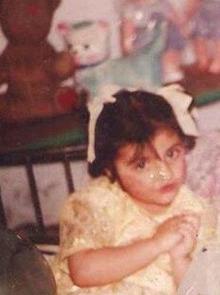 zainab-jamil-childhood picture